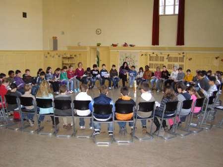 Stuhlkreis schule  Georg-Paul-Amberger-Schule Nürnberg Morgenbesinnung mit Frühstück